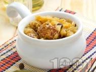 Рецепта Крехко задушено телешко месо от шол с прясно зеле в тенджера под капак на котлон